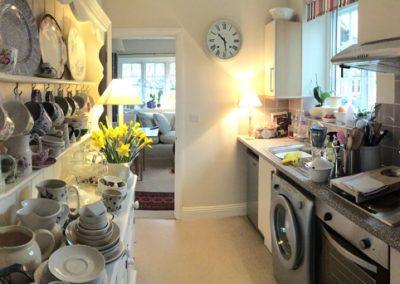 Kitchen_Alms-house-retirement-housing-with-Cheltenham-Family-Welfare-Association-almshouses-2